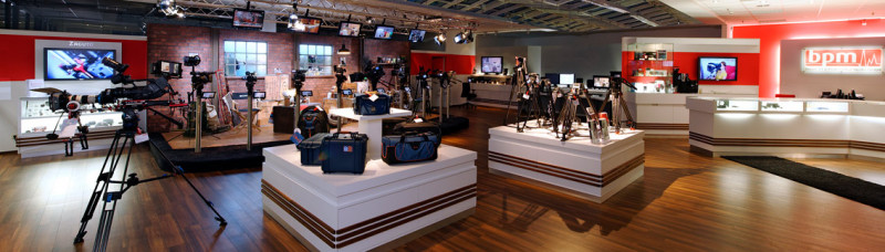 media/image/Showroom-Totale59f32b9198bba.jpg