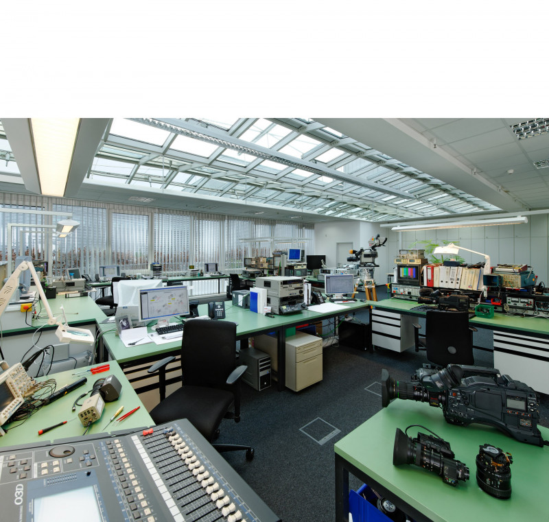 media/image/Technik-Reparatur-1_edited.jpg